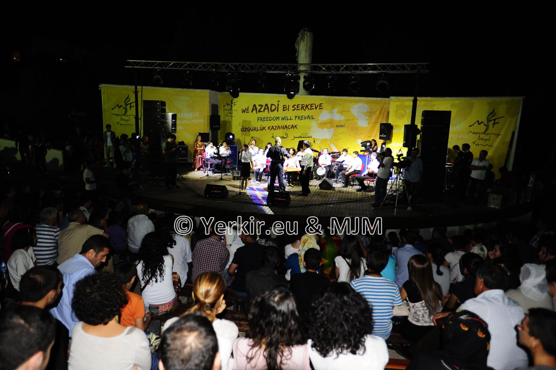 Concert du Van Project pour l'ouverture du Forum Social à Diyarbakir