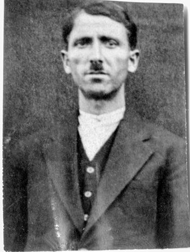 Ardinian Movses né à Kharpout le 12-11-1899