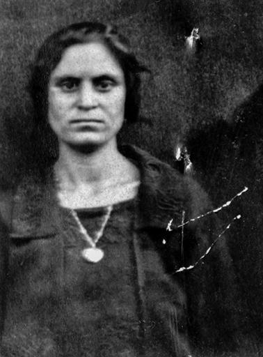 Avedissian Artanouche née à Kharpout le 12-4-1905