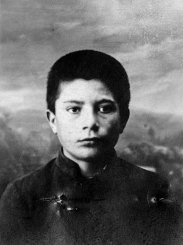 DerBoghossian Varastade né à Keghie le 9-10-1910