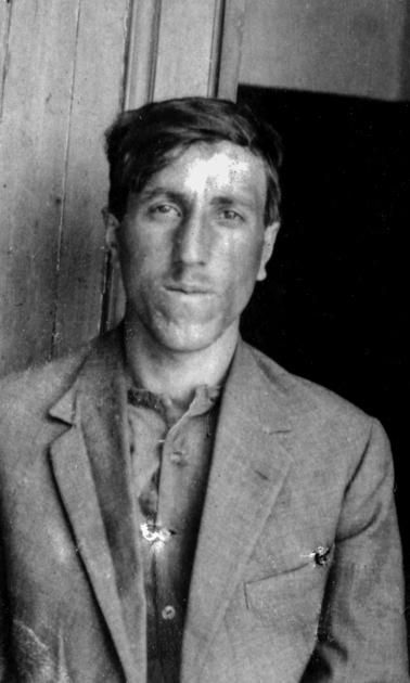 Djirdjirian Sarkis né à Mouratcha le 18-04-1906