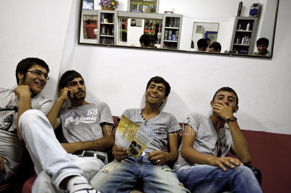 Salon de coiffure à Ovacik (Dersim), Juillet 2011