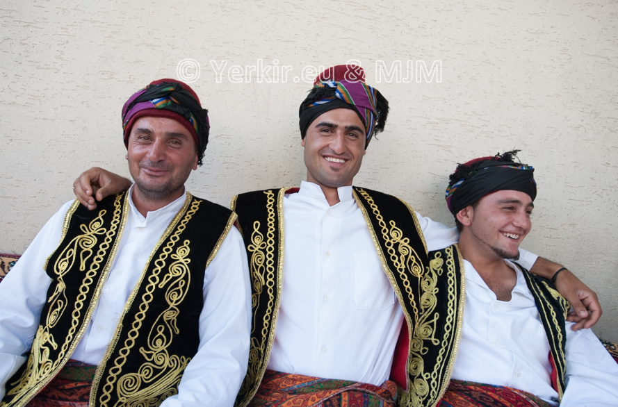 Costume traditionnel Zaza du Dersim, Hozat juillet 2011