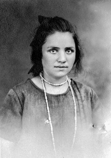 Miassarian Makrouhie née à Erzeroum le 9-11-1913