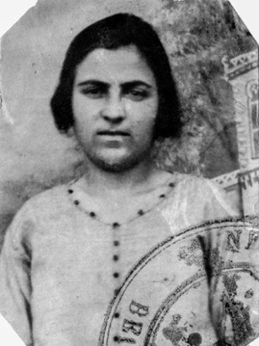 Minassian Aghavnie née à Erzeroum en 1908