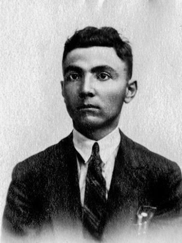 Mouradian Mardiros né à Kharpout-Klouglou le 17-12-1907