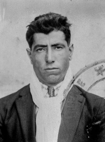 Pekmezian Sarkis né à Ismit le 15-08-1904