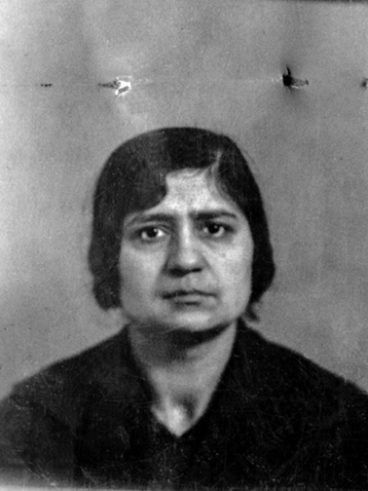 Sandekian Zarouhie née à Keutahia le 17-11-1899